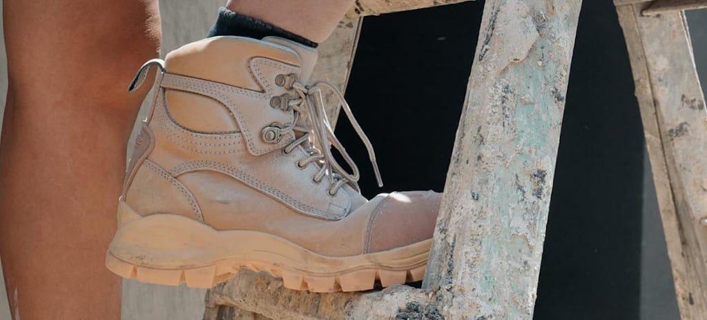 Női bakancs és női munkavédelmi cipő
