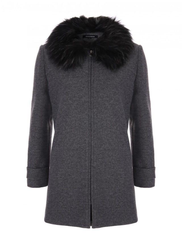A faszénszínű kabátban könnyedén találjon sziluettet, klasszikus cipzáras elülső részével és hosszú illeszkedésével, hogy szép és ízléses legyen a hideg és fagyos reggelente.