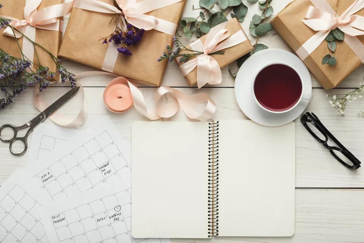 Esküvőtervező napló - Vásároljon naplót és használja. Esküvőszervezés - Élvezze az elkötelezettséget. Esküvőszervezés lépésről lépésre