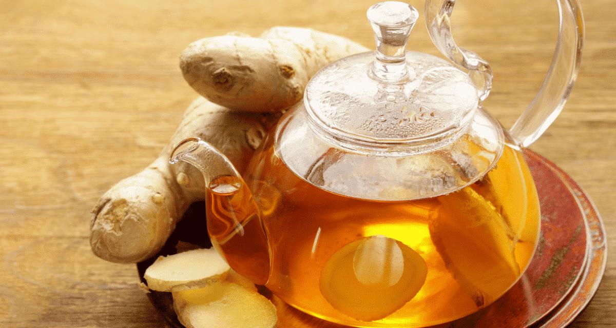 A gyömbéres tea mire jó és egészségügyi előnyét egy táplálkozási terapeuta megvizsgálja a gyömbér tea egészségügyi előnyeit, beleértve állítólagos képességét az émelygés csillapítására és a magas vérnyomás enyhítésére.