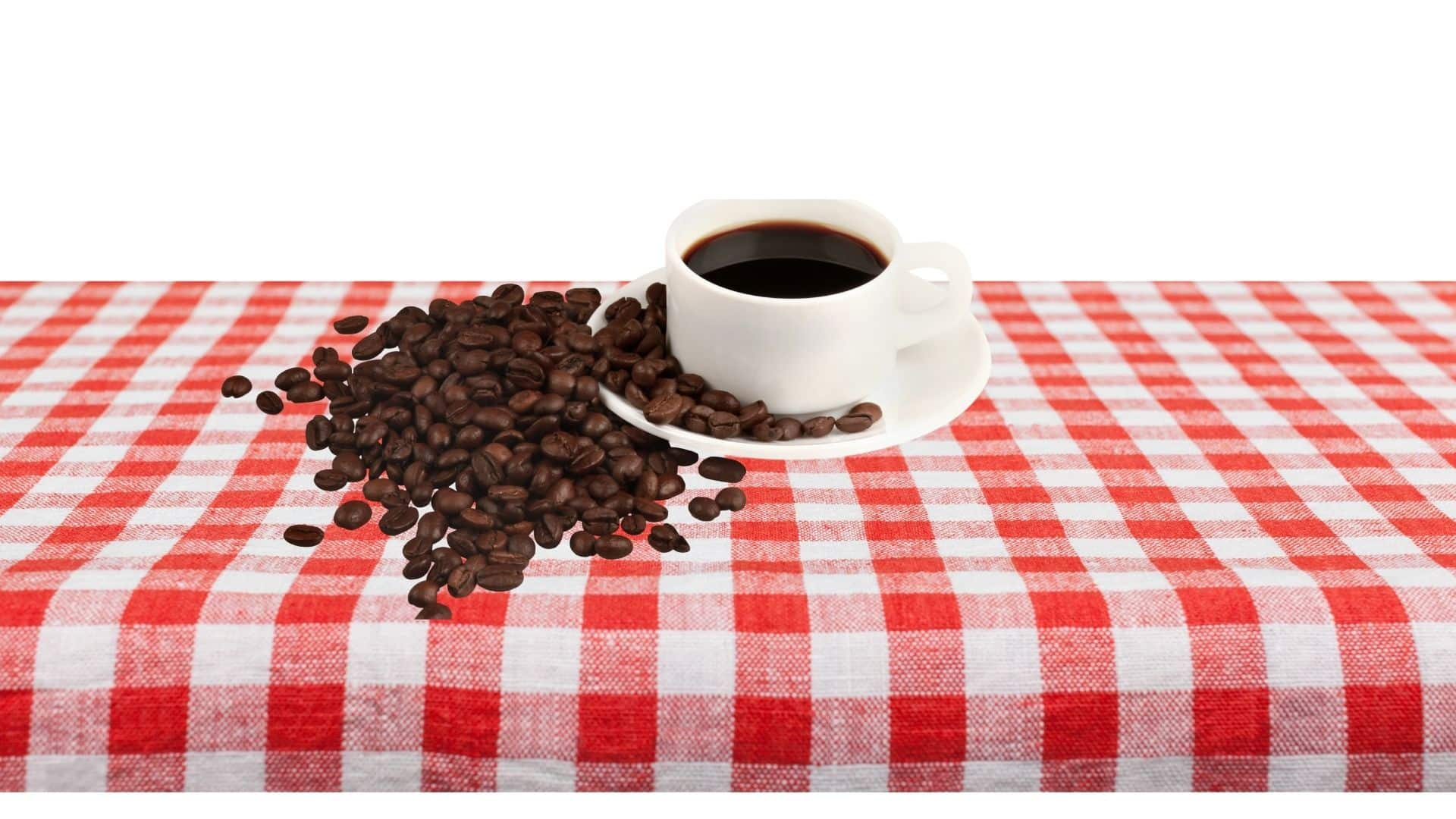A kávé, csakúgy, mint a piacon lévő bármely más étel vagy ital, néhány ember számára mellékhatásokkal járhat. Becslések szerint az amerikaiak 20% -a valamilyen ételintoleranciában szenved. A kávéval szembeni intolerancia, kávé allergia nem olyan ritka, és másként nyilvánulhat meg. A kávé allergia ritkább, de nem hallatlan. A reakciók, függetlenül attól, hogy allergiásak, vagy intoleranciák, a kávéban lévő vegyületekből, vagy magából a koffeinből származhatnak. Az élelmiszer-intolerancia, legyen szó kávéról, vagy más elfogyasztott dolgokról, gyakran késleltetett reakció az élelmiszerben lévő vegyületekre. Az kávé allergia immunreakció, amely tipikusan a hisztamin felszabadulását okozza.