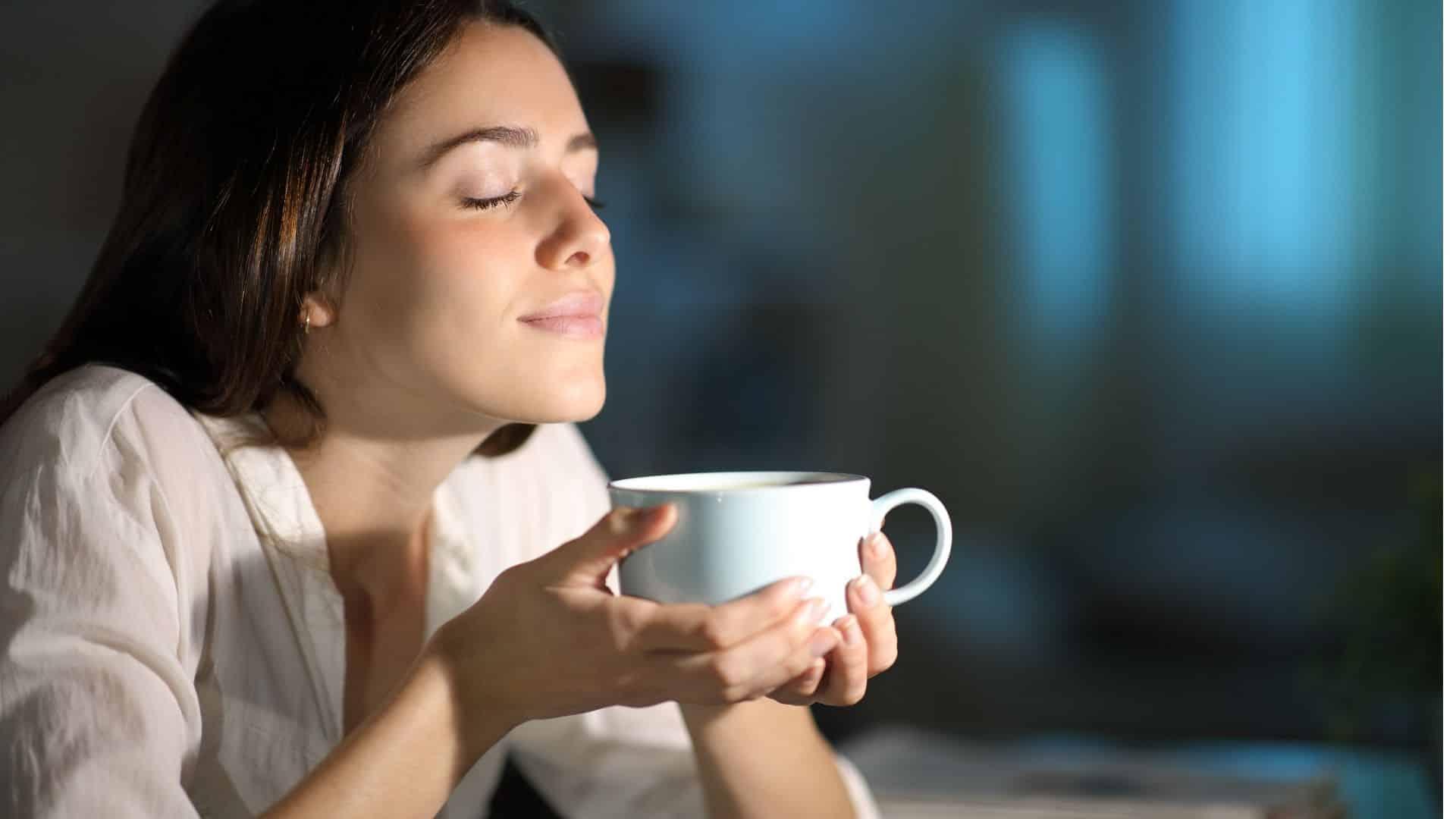 Független tudományos bizonyítékok azt mutatják, hogy a kávé, koffeinnel, vagy koffeinmentes kávé, számos egyedülálló egészségügyi előnnyel jár. Beleértve a megnövekedett életminőséget és a többszörös rákos megbetegedések és krónikus betegségek kockázatának csökkentését.