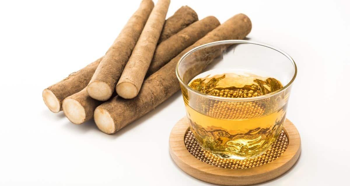 A bojtorján tea a bojtorján növény gyökeréből készült gyógynövény tea. A kínai orvoslásban régóta használják, néhány gyógynövényes szakember úgy véli, hogy az ital javíthatja immunrendszerét. Csökkentheti a vérnyomást, meggyógyíthatja a sérült májat, sőt megelőzheti, vagy kezelheti a rákot. Az öregedés jeleinek visszafordítására és a haj egészségének javítására is használják.