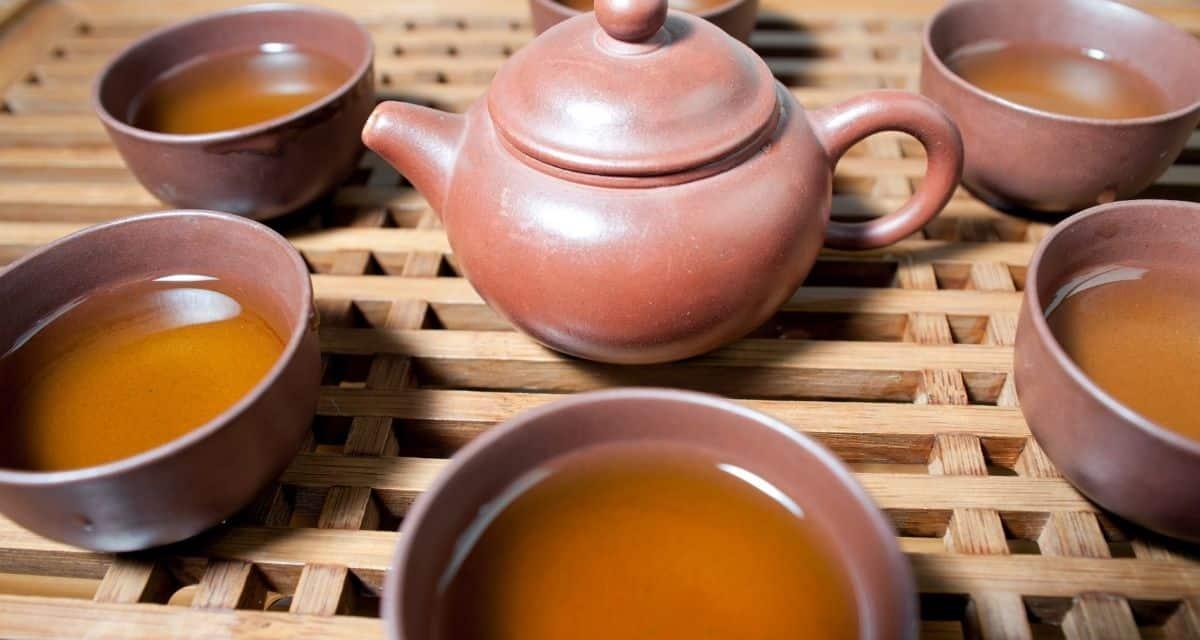 Cickafark tea hatása segít a gyulladásban, a sebgyógyulásban és a neurológiai betegségekben.