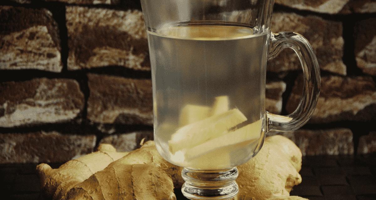 Az emberek friss gyömbérrel vagy bolti tea segítségével készíthetnek gyömbérteát. Bár a gyömbér tea hatása általában biztonságos, egyesek enyhe mellékhatásokat - például gyomorégést, hasmenést, gázokat és hasi fájdalmat - tapasztalhatnak fogyasztása után.